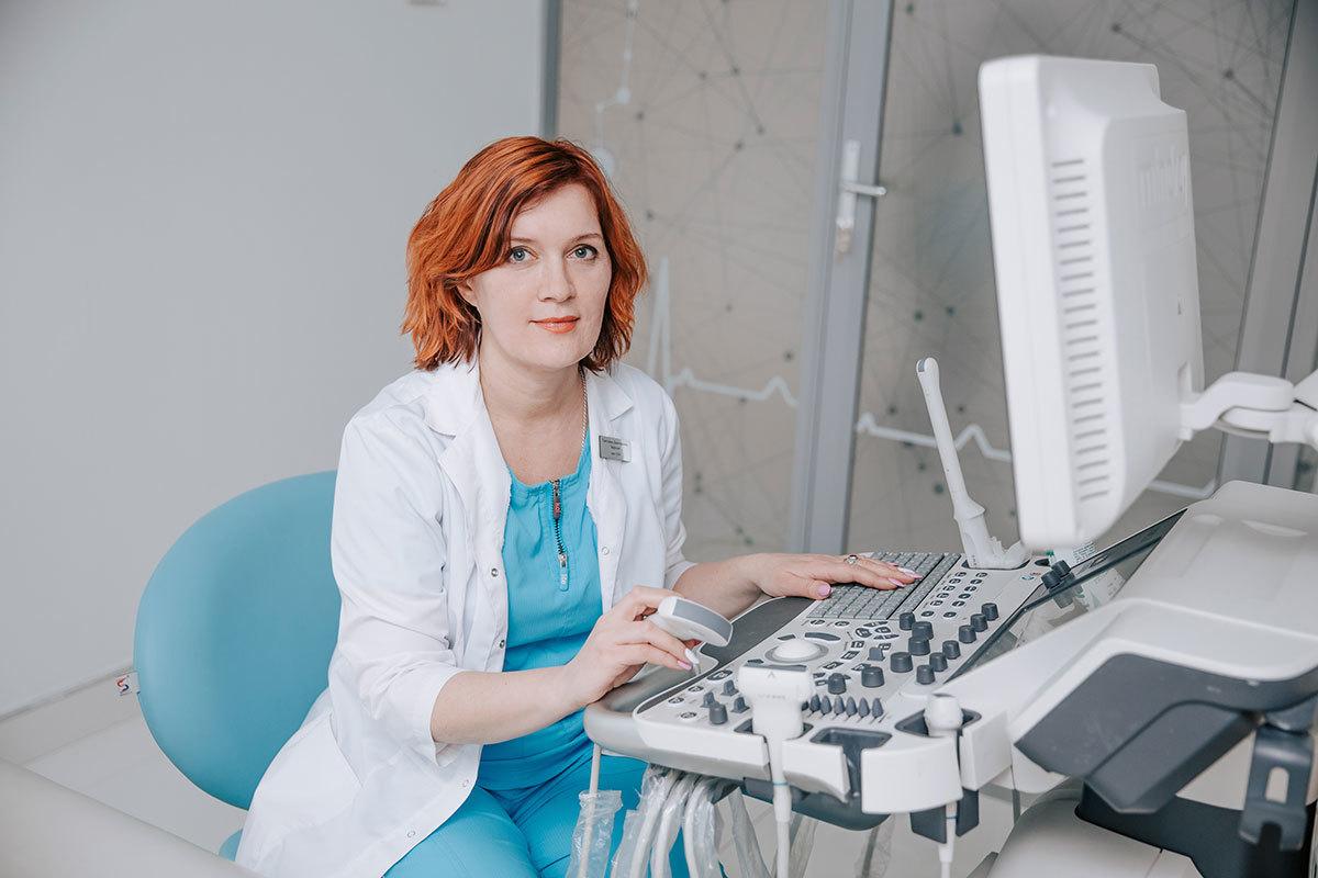 Чем сложнее медицинское оборудование, тем сложнее им управлять. Наши врачи проходят специальные курсы обучения, позволяющие им использовать весь потенциал аппаратов.