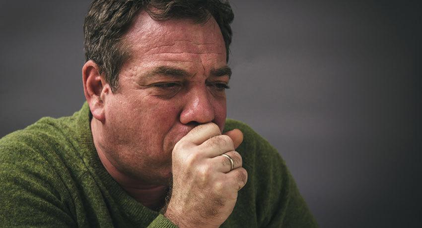 Сильный кашель - симптом аденокарциномы легкого