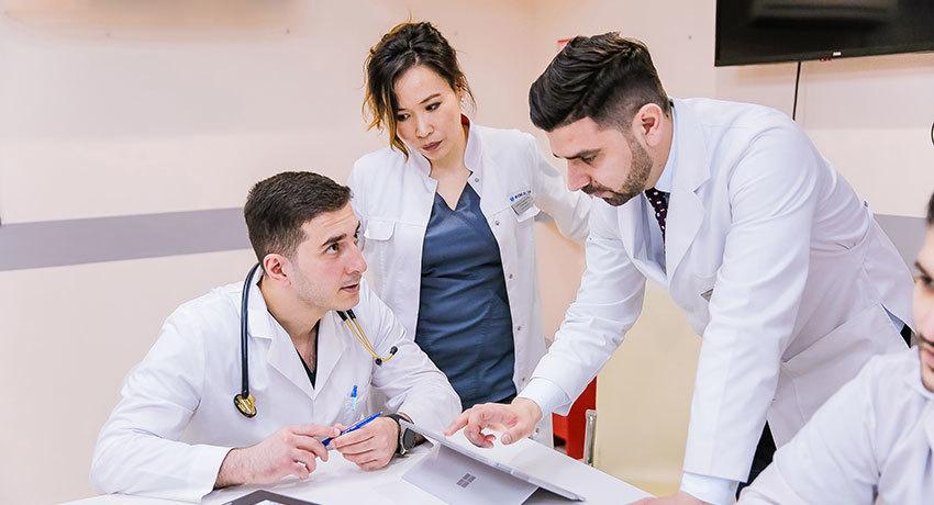 Обсуждение программы лечения пациента